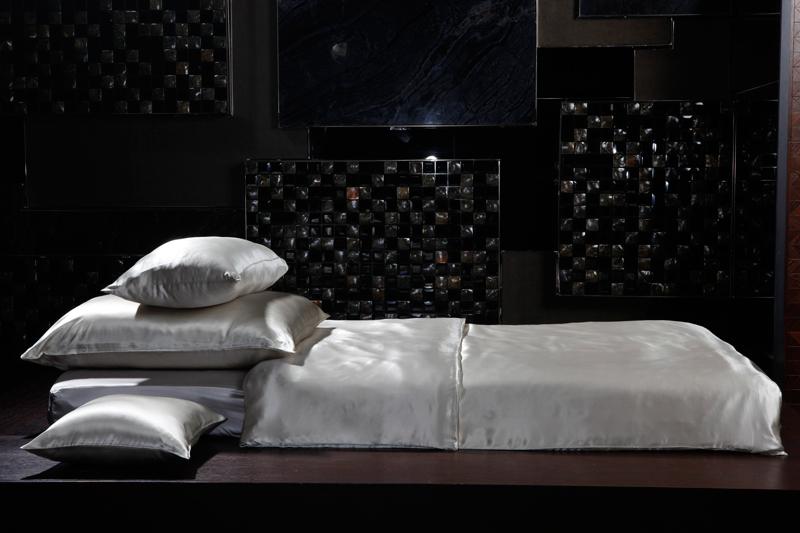 bettwaren borghoff sichou seiden bettw sche feronia kissenbezug 40x40. Black Bedroom Furniture Sets. Home Design Ideas