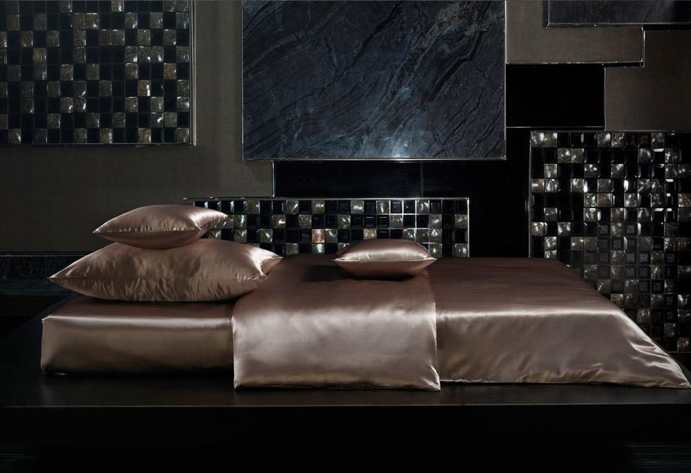 bettwaren borghoff sichou seiden bettw sche artio. Black Bedroom Furniture Sets. Home Design Ideas