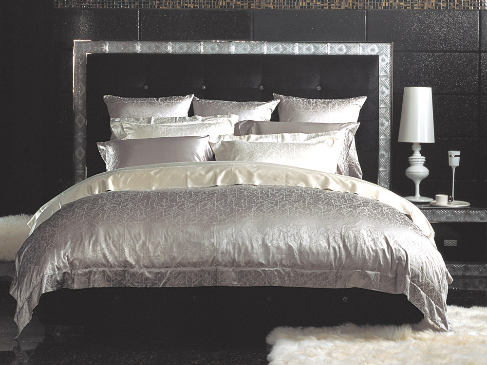 bettwaren borghoff sichou seiden bettw sche trees silver. Black Bedroom Furniture Sets. Home Design Ideas