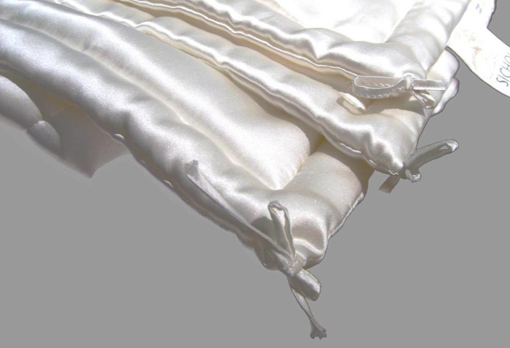 bettwaren borghoff sichou seiden bettdecke luxus winter. Black Bedroom Furniture Sets. Home Design Ideas